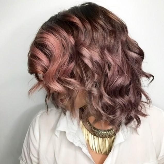 Шоколадова лилия боя за коса