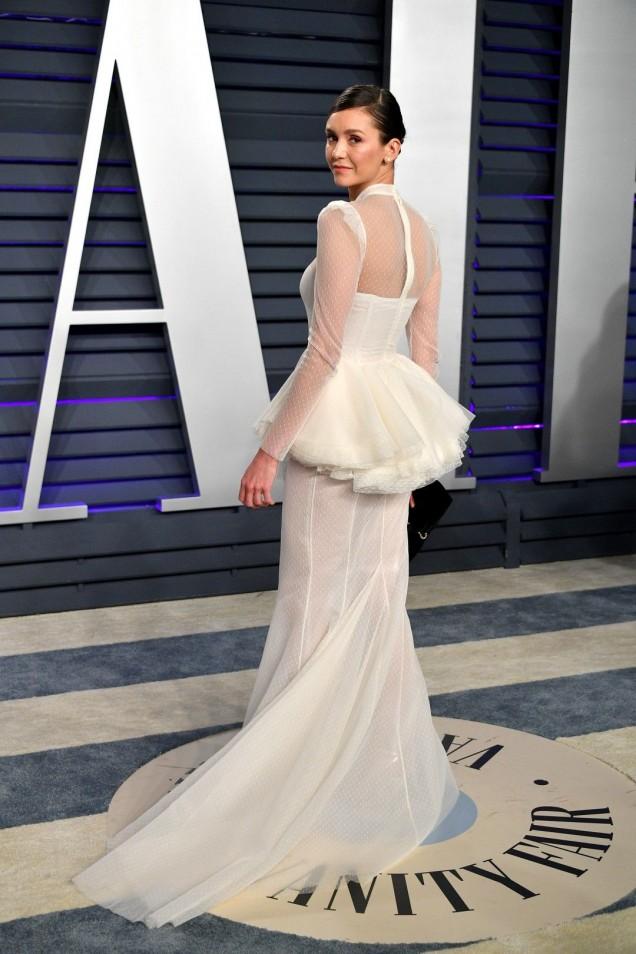 бяла елегантна рокля 2019