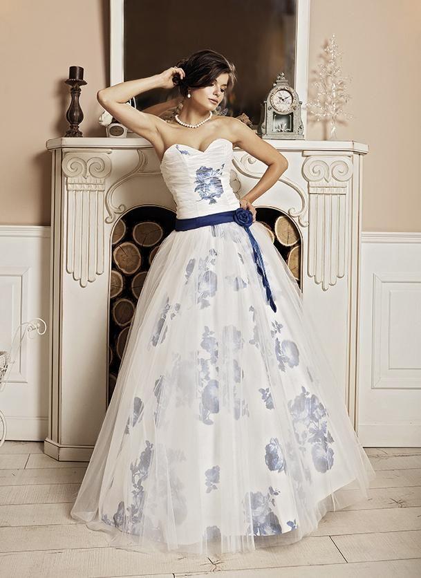 рокля с цветя