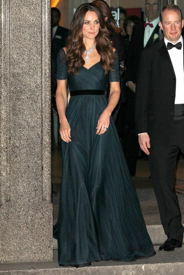 Кейт Мидълтън във вечерна рокля