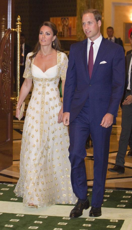 Кейт Мидълтън в дълга вечерна рокля