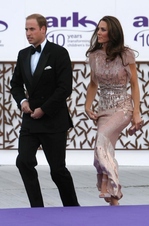 Кейт Мидълтън стилна вечерна рокля