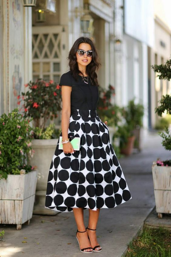 модерна пола в черно и бяло