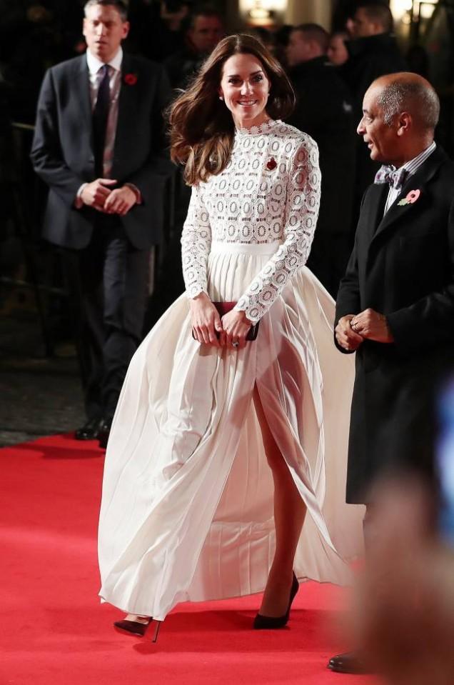 Кейт Мидълтън в бяло