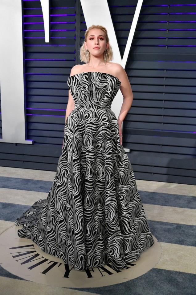 елегантна и стилна рокля