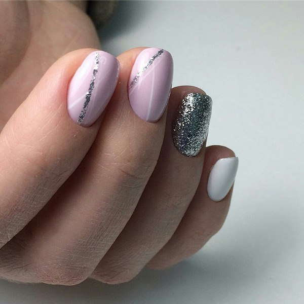 маникюр в розово и сребърно