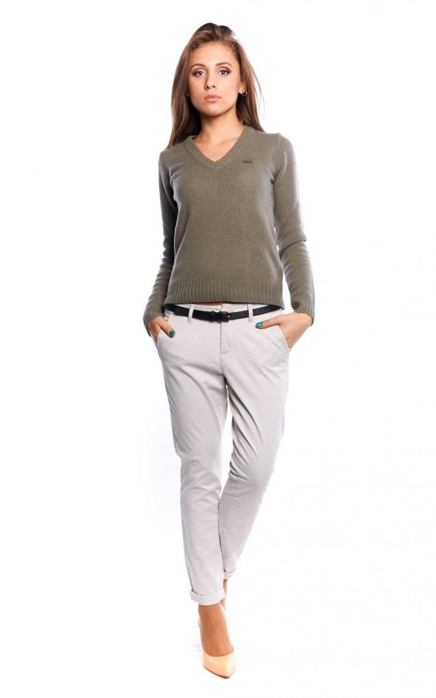 модерните панталони чинос