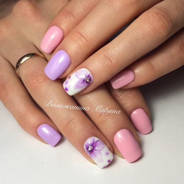 маникюр в розово и лилаво