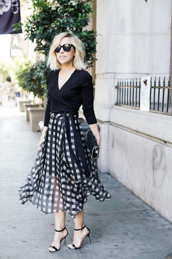 романтична черно-бяла пола