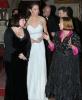 Кейт Мидълтън в дълга бяла рокля