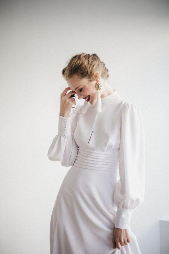 Бяла рокля с копчета