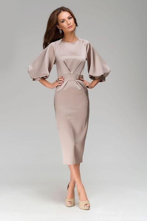Вталена рокля с буфан ръкави