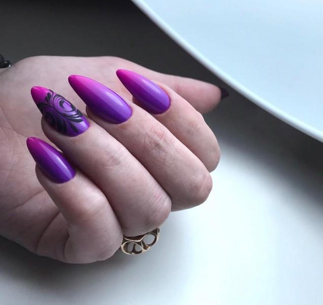 Омбре маникюр за бадемови нокти