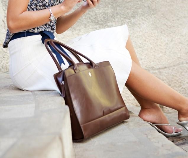 златиста класическа чанта