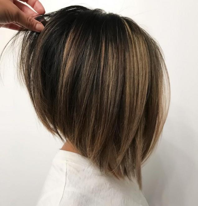 Боб прическа за кестенява коса