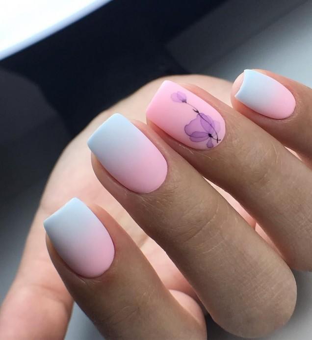 омбре маникюр синьо и розово