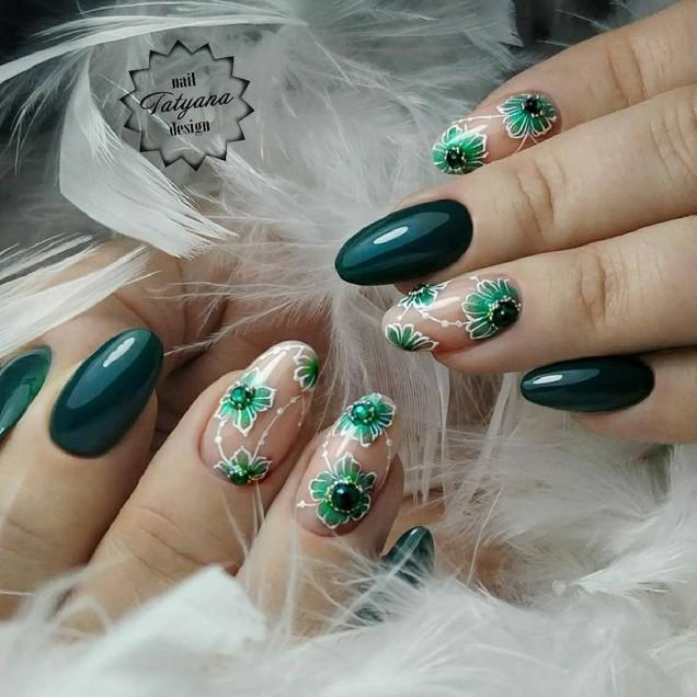 пролетен маникюр в зелено