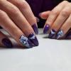Патладжанен маникюр, който изглежда прекрасно както на дълги, така и на къси нокти, за тържествени случаи и за всеки ден