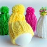 Декориране на яйца с плетени шапки