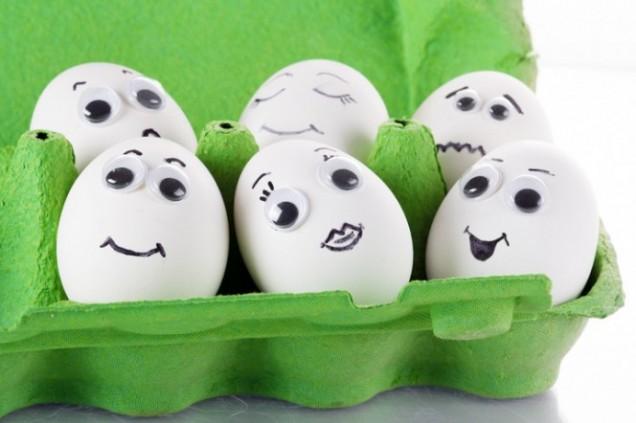 Рисувани яйца лица за Великден