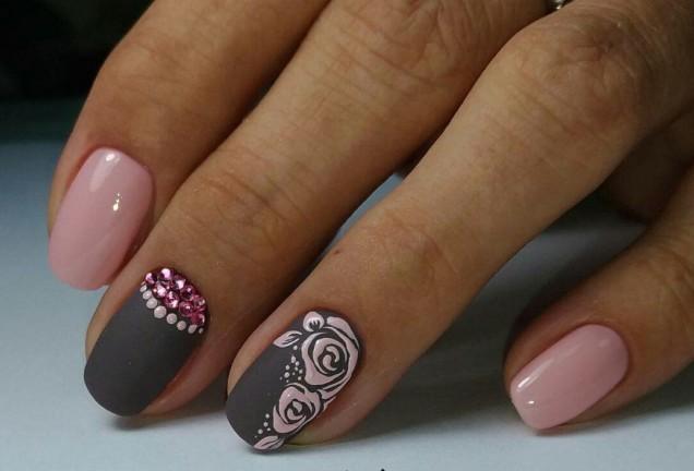 маникюр за бала в розово и сиво