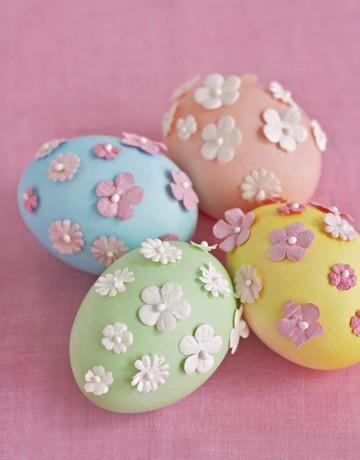Декорация на яйца с цветенца декоративни