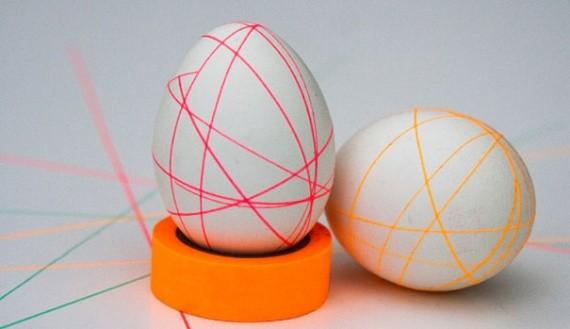 Декориране на яйца за Великден с конци