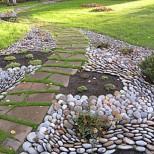 идейна пътека в двора