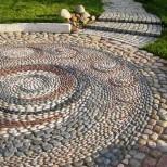 килим от речни камъчета