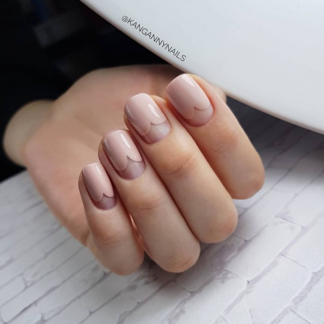 Идея за къси нокти с гел лак