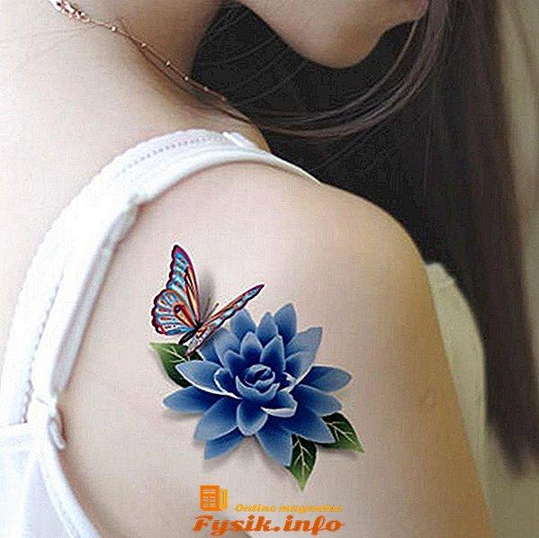 цвете с пеперуда татуировка