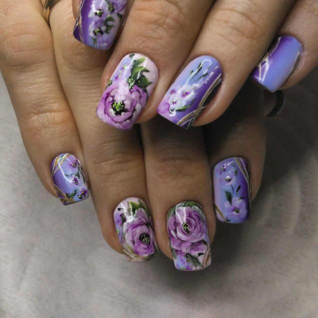 цветя в лилави нюанси