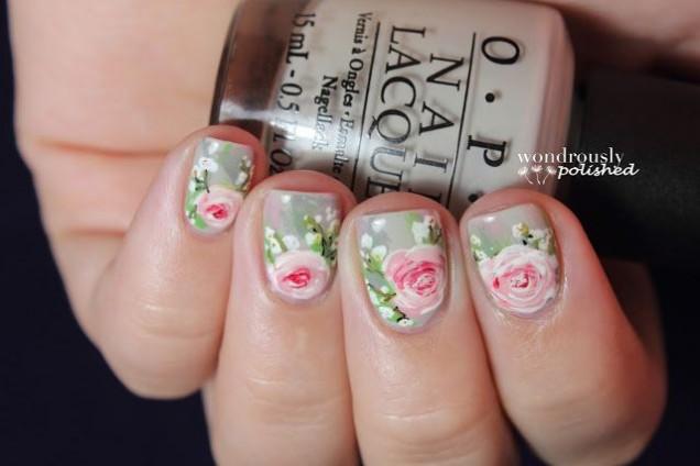сив маникюр с рози
