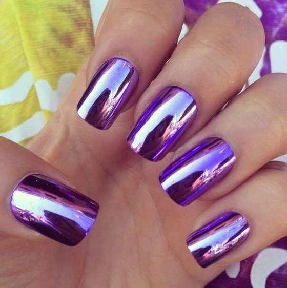 огледален маникюр в лилаво