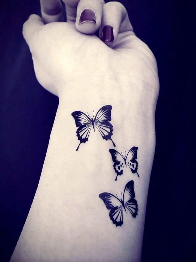 нежна татуировка на ръката