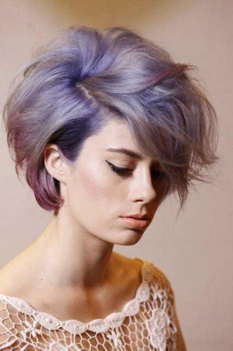 светло патладжанена коса
