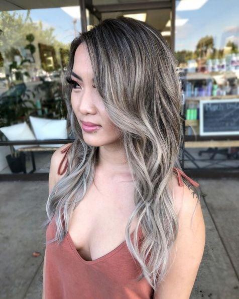 дълга сребриста коса с балеж