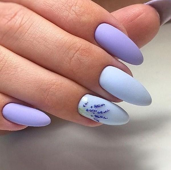 синьо-лилав маникюр