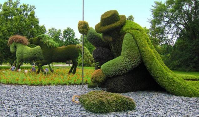 красиво оформени храсти-скулптури