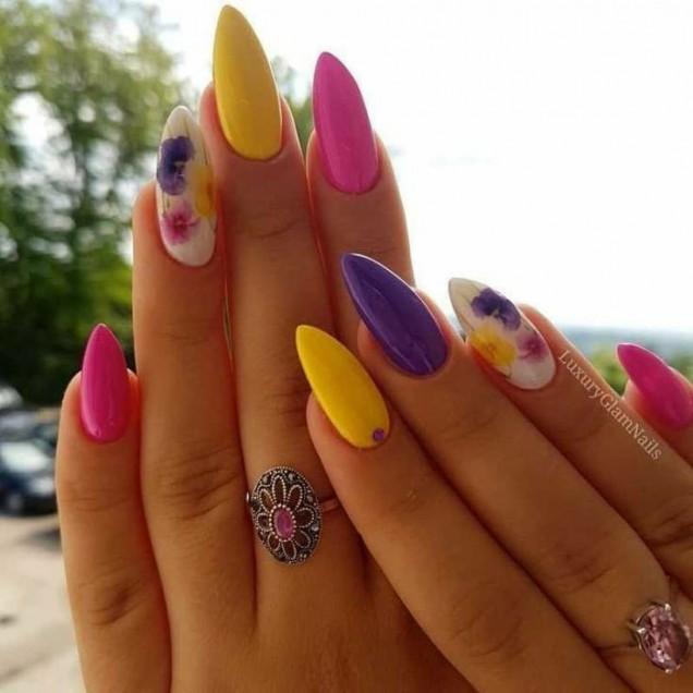 летен цветен маникюр
