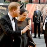Меган и Хари на червения килим