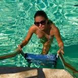 Тилан Блондо във водата