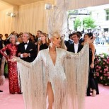 Селин Дион рокля на Мет Гала