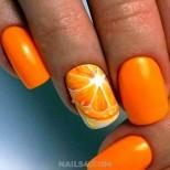 оранжев маникюр  с портокали