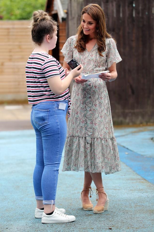 Кейт Мидълтън рокля флорална