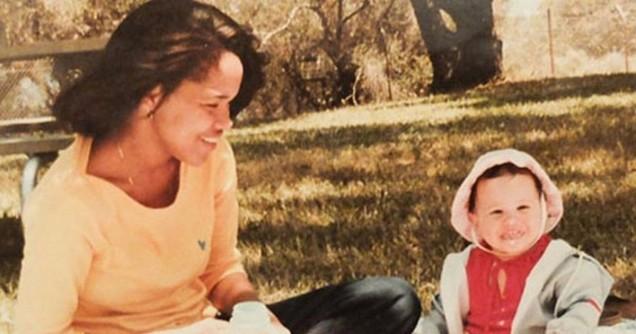 малката Меган с майка си