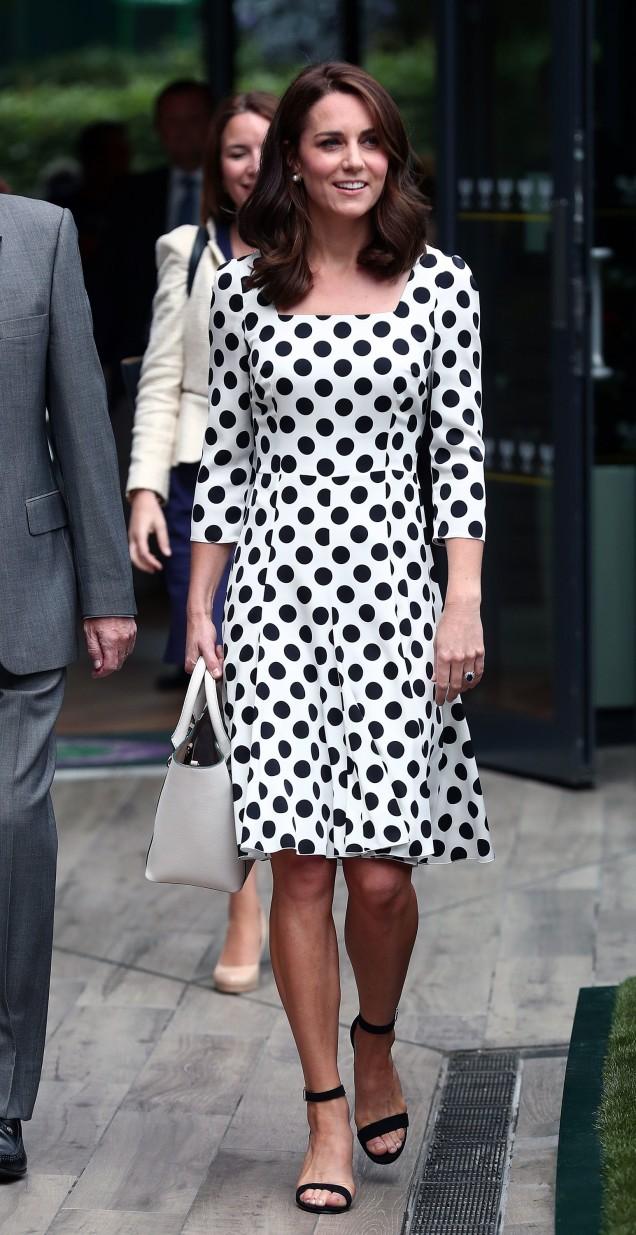 Кейт Мидълтън рокля на точки