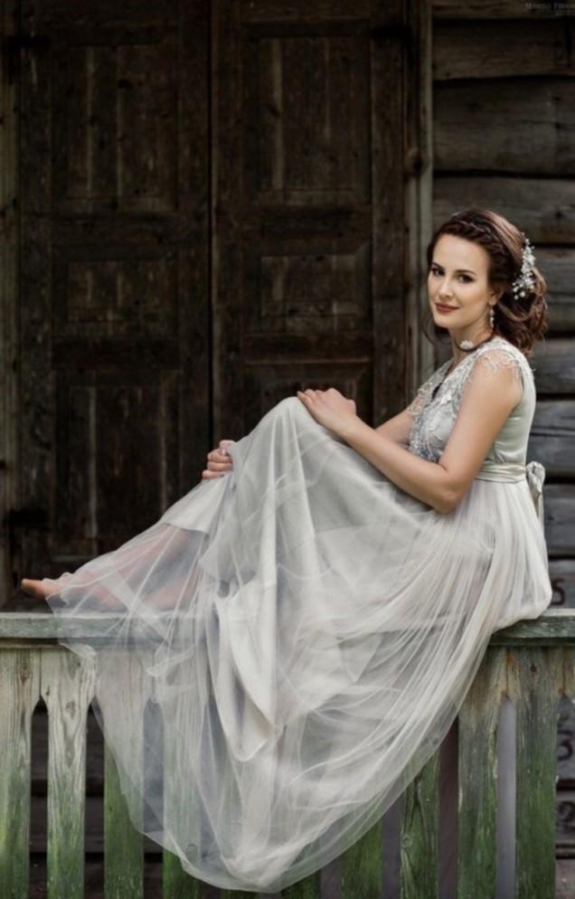 дълга сватбена рокля