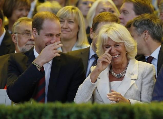 Камила и Уилям смях