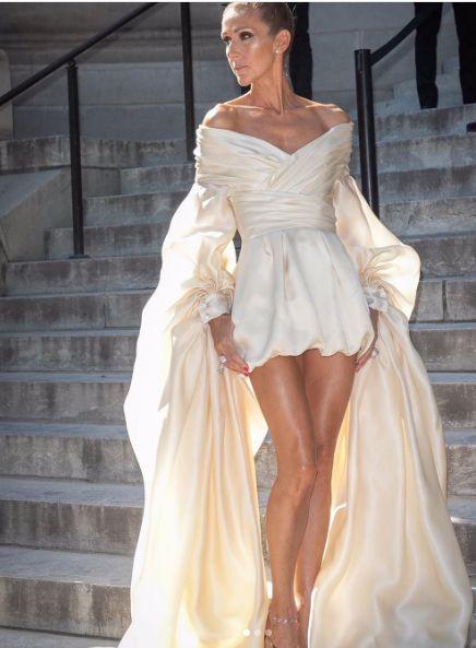 Селин Дион къса рокля